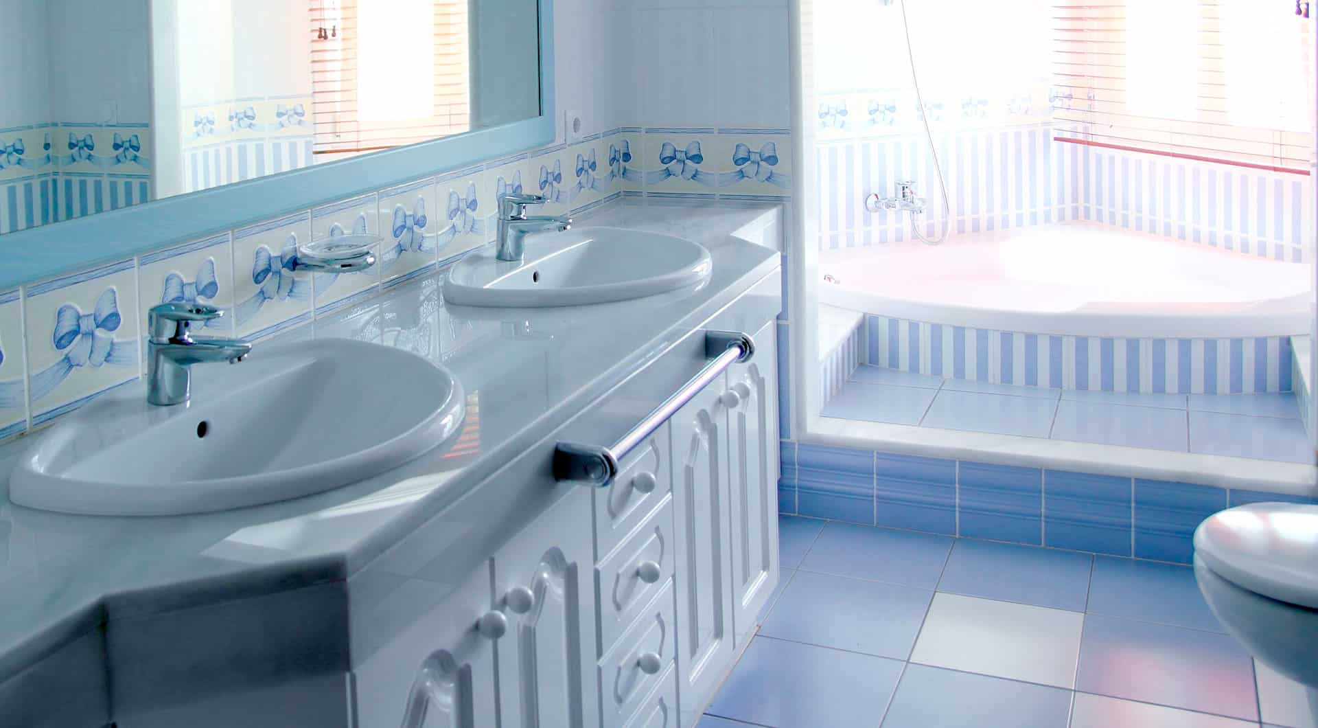 Bathtub Reglazing & Sink Refinishing Services